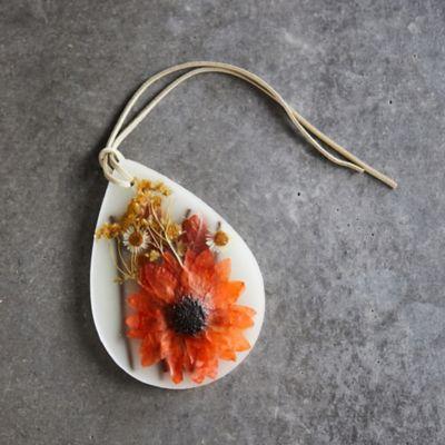 Rosy Rings Pressed Flower Wax Sachet, Pumpkin Cardamom