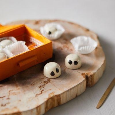 Ghost Pumpkin Ganache Chocolates, Set of 6