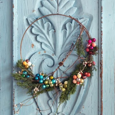 Shop the Look: A Festive Wreath with the Miniature Bulb Set of 100