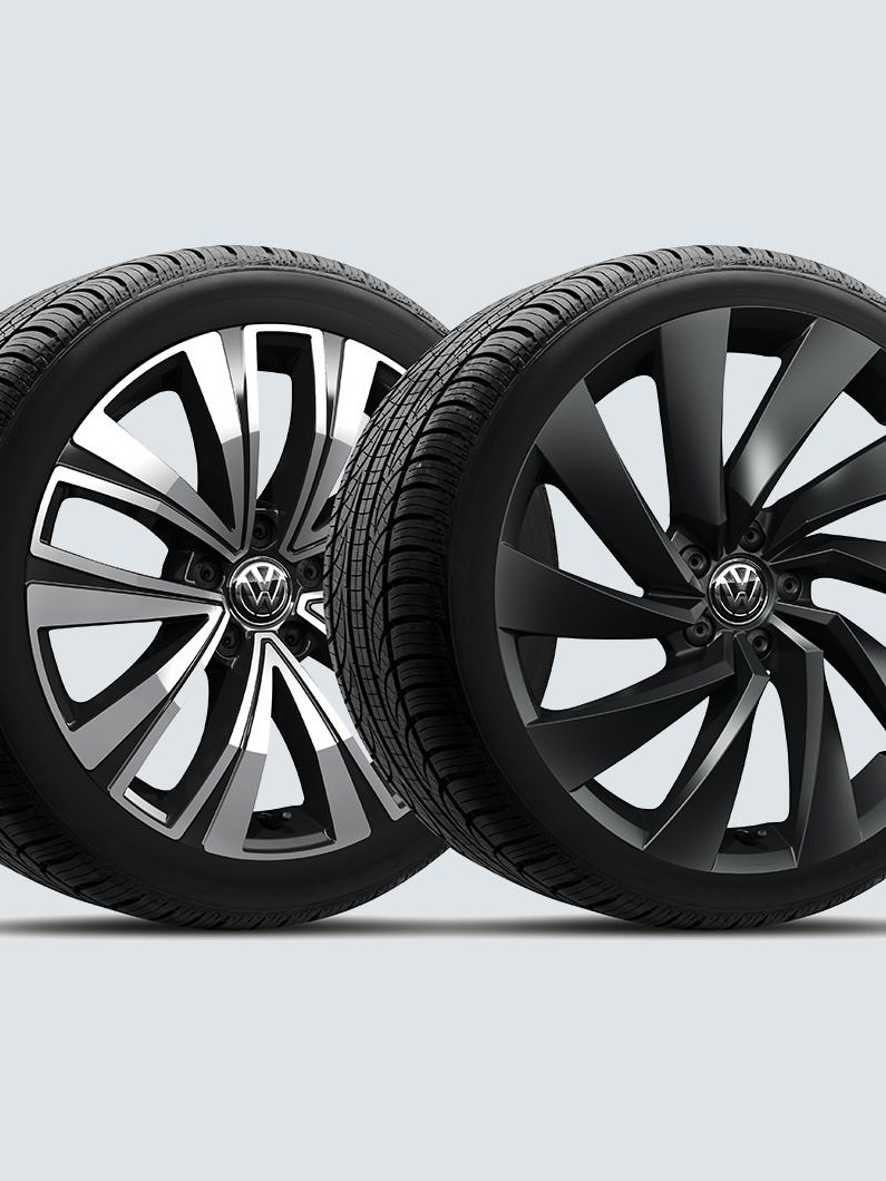 "Select from two bold options of 18"" or 20"" alloy wheels"