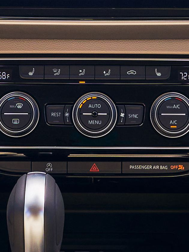 Available Shetland Beige Vienna Leather interior with climate control.