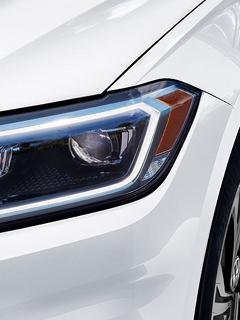 Available projector LED headlights with LED Daytime Running Lights (DRL), closeup view