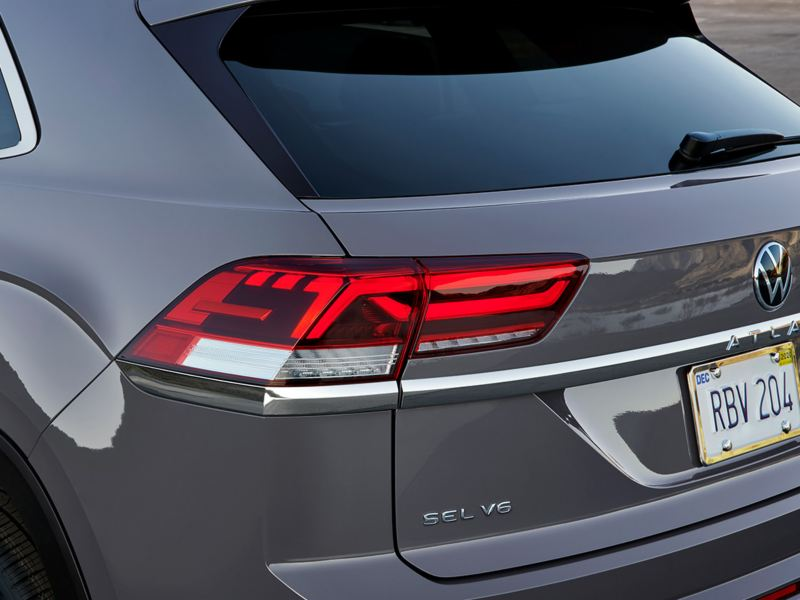 Rear angle view of the Atlas Cross Sport taillights.